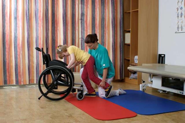 forced use therapie ergotherapie